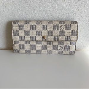 100% Authentic Louis Vuitton Long Wallet